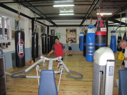 Club de boxeo daya nueva gimnasios torrevieja el d a y for Gimnasio torrevieja